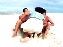 bbw threesomes on the beach