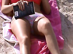 huge puffy cameltoe, beach milf crotch shot 184