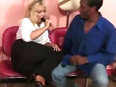 interracial buttfuck in the hair salon