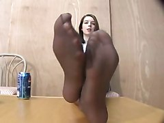 stinky nylon feet