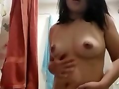 sexy indo girl show me her body
