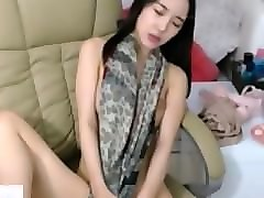 korean bj webcam girl masterbates and rubs pussy
