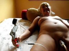 Squirty Pumping Her Clit