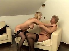 mature blonde potelee