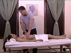 ts cougar sunday valentina sucks and analized by her masseur