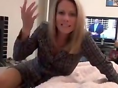 Mom gives footjob in pantyhose