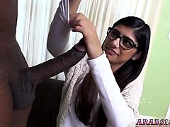 hidden camera hotel brunette xxx mia khalifa tries a big black dick